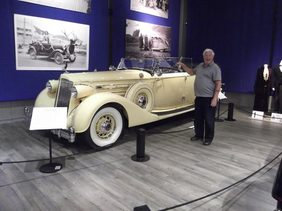 Fountainhead Antique Auto Museum: 1936 Packard