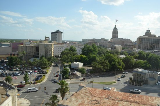 Residence Inn San Antonio Downtown/Alamo Plaza: View from Studio 1025 on San Antonio