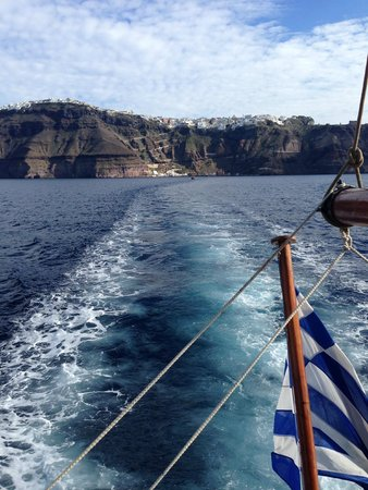 Theoxenia Boutique Hotel: Boat ride to volcano!!!!!