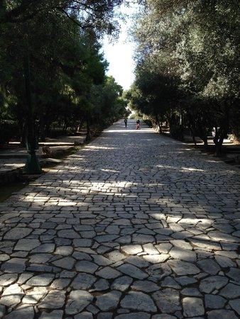 Philopappos Hill: beautiful trail leading to top of hill... eventually
