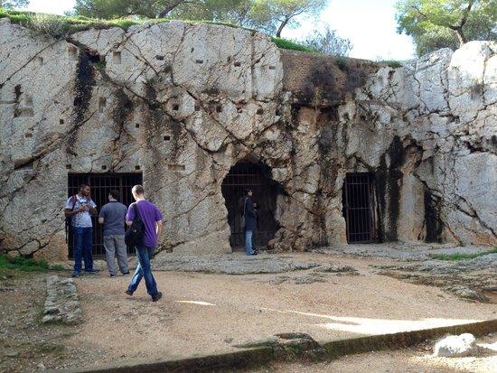 Philopappos Hill : Socrates prison