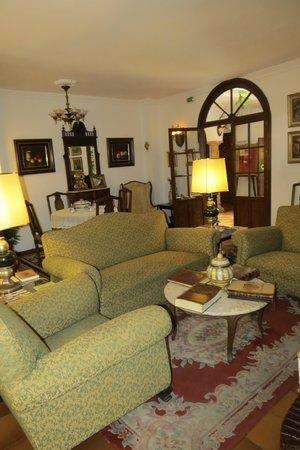 Hotel San Gabriel: Sitting Room