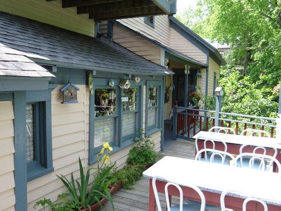 11 Singleton House : Loved the patio overlooking the garden