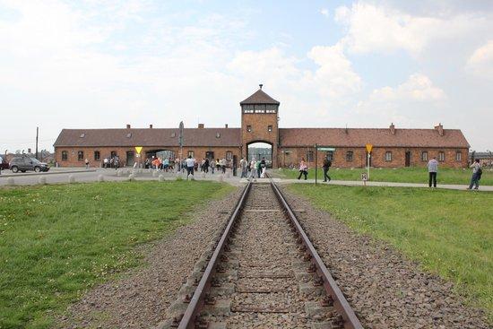 Escape2Poland - tours and transfers: Auschwitz 2 - Birkenau