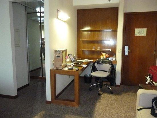 Blue Tree Premium Morumbi : Apartamento espaçoso e com office