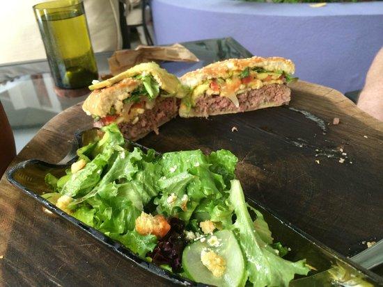 Cuisine Maia hugo ahumada, chef-propriétaire, restaurant maia, ouvert en novembre