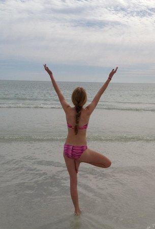 Siesta Beach : Looking out to sea at Siesta Key Beach