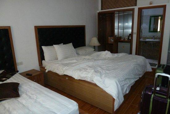 Vientiane Garden Hotel: more modern of the 2 room types