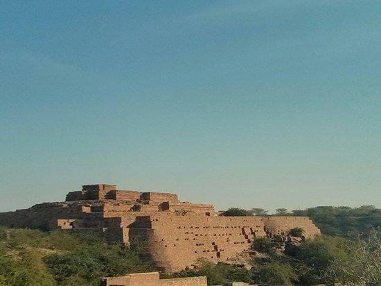 Mandore Gardens: Remains of old Mandore fort