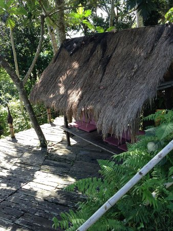 Bambu Indah : THE GAZEBO - TO SPEND YOUR AFTERNOON LOOKING AT THE VIEW