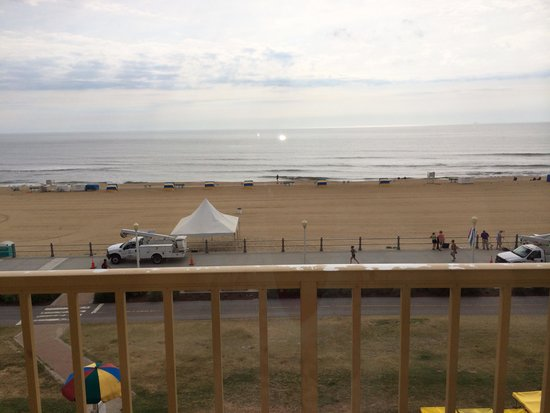 Travelodge Suites Virginia Beach Oceanfront: Beautiful Morning!