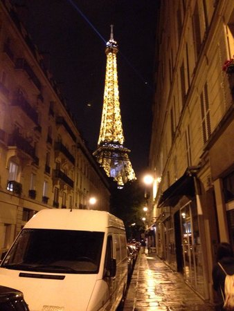 Au Bon Accueil : Outside the restaurant