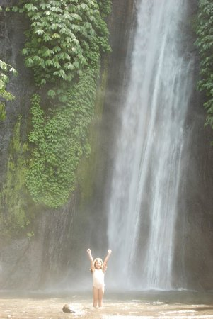 Sanak Retreat Bali: Waterfall excursion