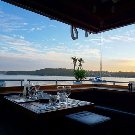 Hugos Manly : Views across the harbour