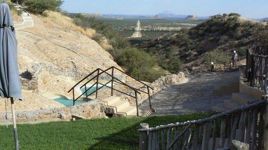 Ugab Terrace Lodge: Pool and beyond