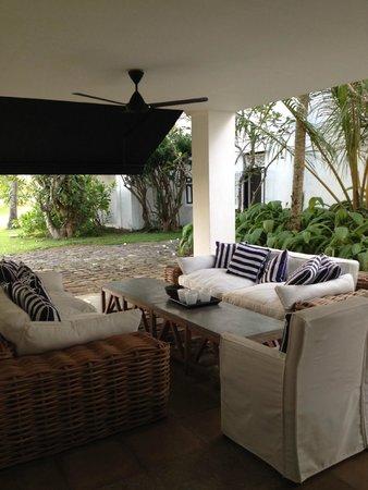 Paradise Road The Villa Bentota : Outdoor sitting area
