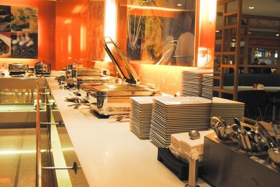 Ibis Singapore on Bencoolen: Buffet