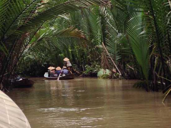 Smile Tourist - Day Tours : Long boat on Mekong delta