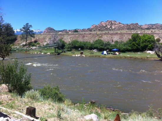 Sweetwater River Ranch: River Side Tenting @ Its Best
