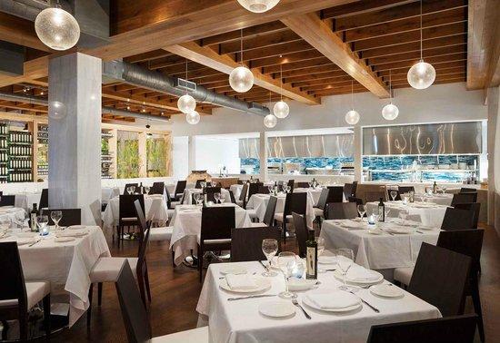 Estiatorio Milos: dinning room