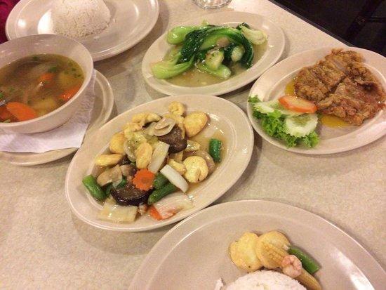 Perhentian Tuna Bay Island Resort: Package dinner