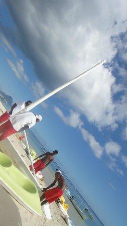 Sofitel Mauritius L'Imperial Resort & Spa : Boat house staff