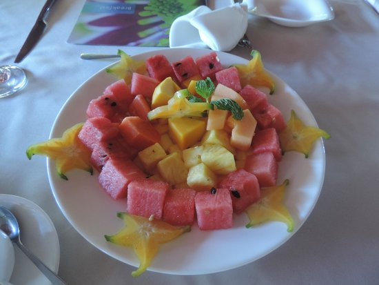Cala Luna Luxury Boutique Hotel & Villas: Breakfast fruit plate