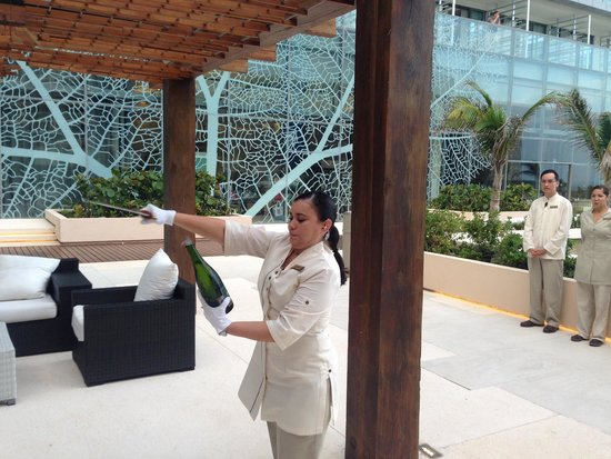 Secrets The Vine Cancun : Opening of champagne French style