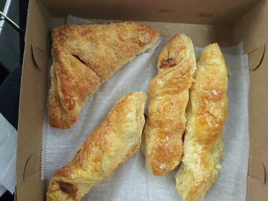 Golden Sweet Bakery : Turnover and cheese sticks