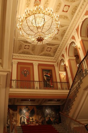 Taleon Imperial Hotel: The main haal ceiling