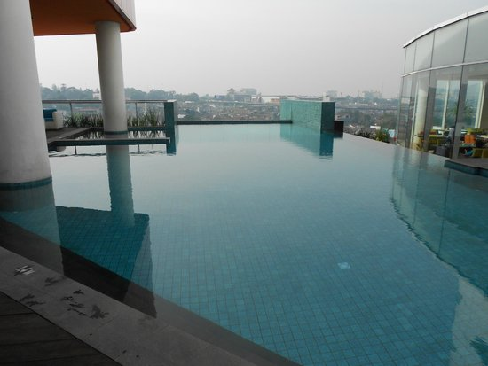 Sensa Hotel: the awesome pool
