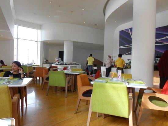 Sensa Hotel: the dining room