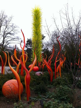 Chihuly Garden and Glass : ...in the garden