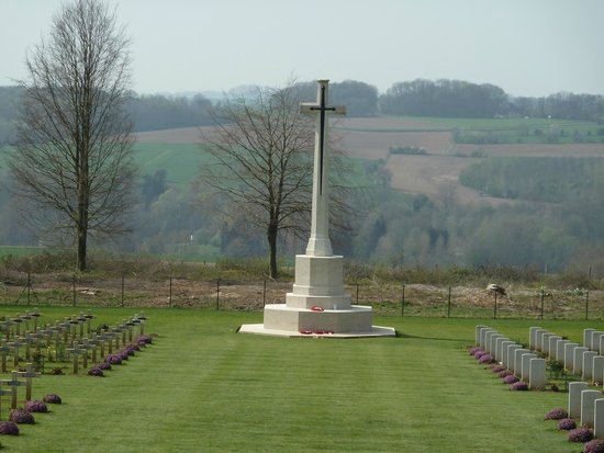 Terres de Memoire Somme Battlefield Tours: Thiepval Memorial to the Missing of the Somme