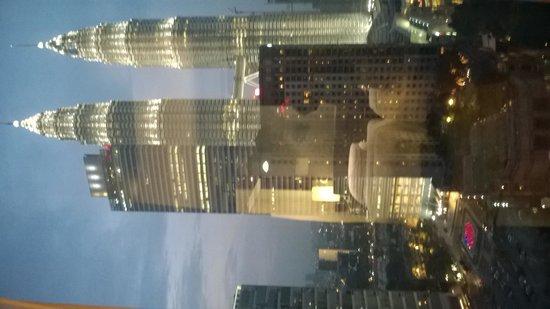 Traders Hotel, Kuala Lumpur : вид из окна