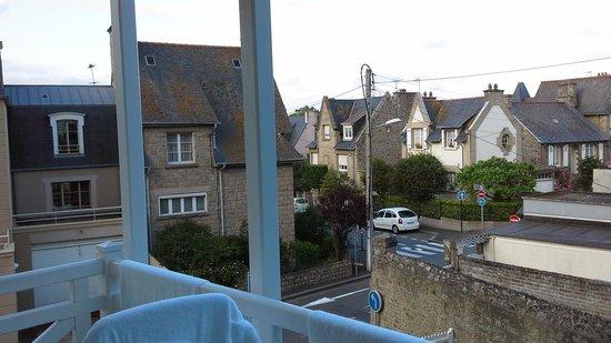 Le Grand Hotel des Thermes Marins de St-Malo : vue 1er étage chambre emeraude