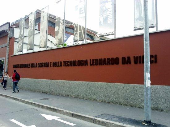 Museo della Scienza e della Tecnologia Leonardo da Vinci : museo della scienza