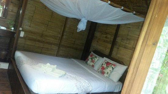 Pai Village Boutique Resort & Farm: Cosy bed!