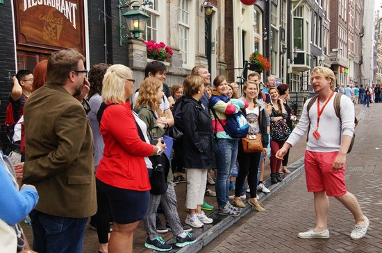 SANDEMANs NEW Europe - Amsterdam: Kor with the walking group