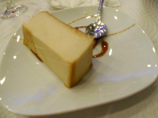 Covadonga: Tarta de crema de orujo