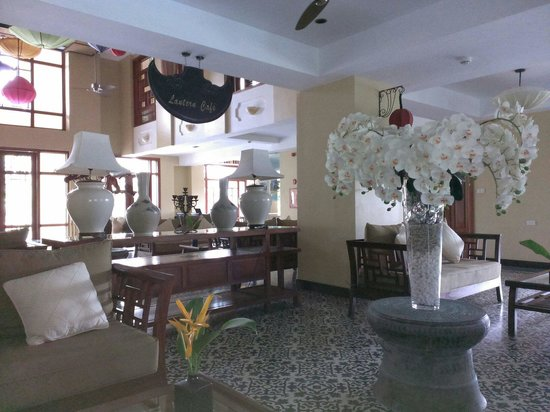Essence Hoi An Hotel & SPA: 飯店大廳