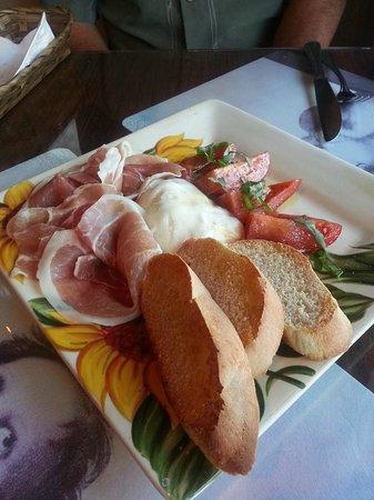 Caruso's Tuscan Cuisine : Burrata
