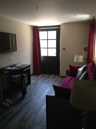 Hotel Restaurant Le Moulin du Landion: entree suite