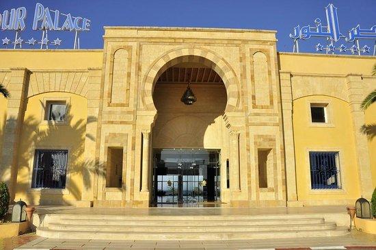 Nour Palace Resort : basen kryty z jacuzzi