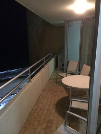 Zenith Apartments : Balcony with Beach view