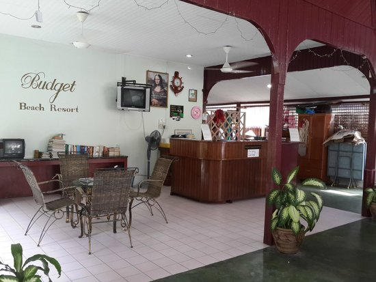 Budget Beach Resort: Lobby