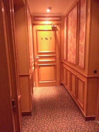 Touring Hotel: ホテル内