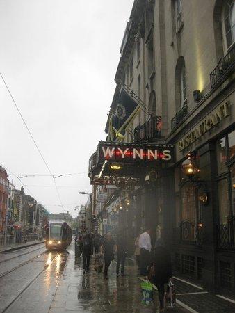 Wynn's Hotel: The Outside