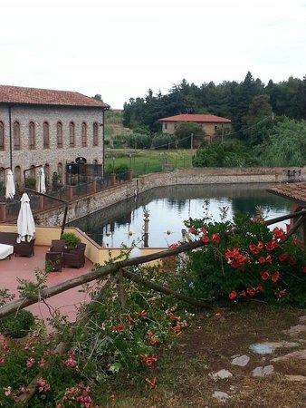 Zona ristorante all aperto foto di calidario terme - Terme di venturina prezzi piscina ...