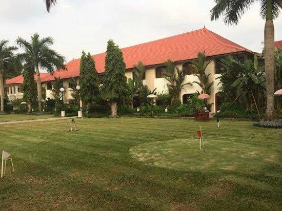 Taj Malabar Resort & Spa Cochin: garden